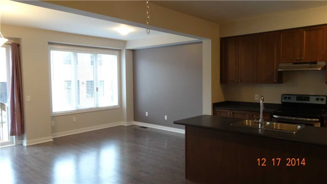 Townhouse at 40 Dariole Dr, Richmond Hill, Ontario. Image 5