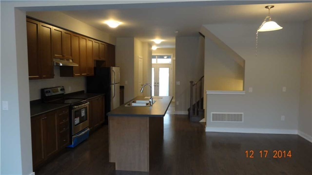 Townhouse at 40 Dariole Dr, Richmond Hill, Ontario. Image 6