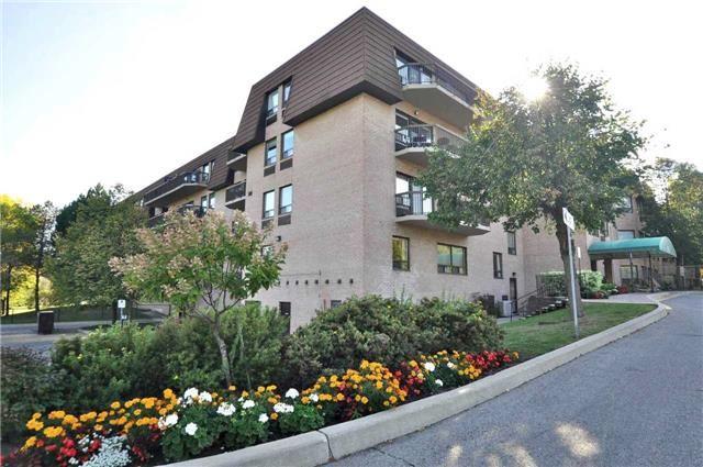 Condo Apartment at 155 Main St N, Unit 338, Newmarket, Ontario. Image 1