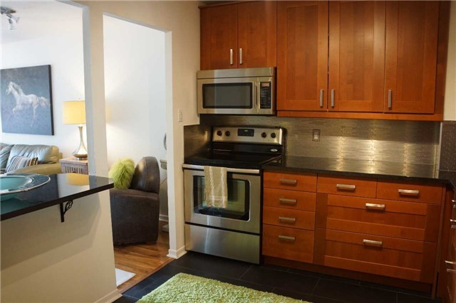 Condo Apartment at 155 Main St N, Unit 338, Newmarket, Ontario. Image 13