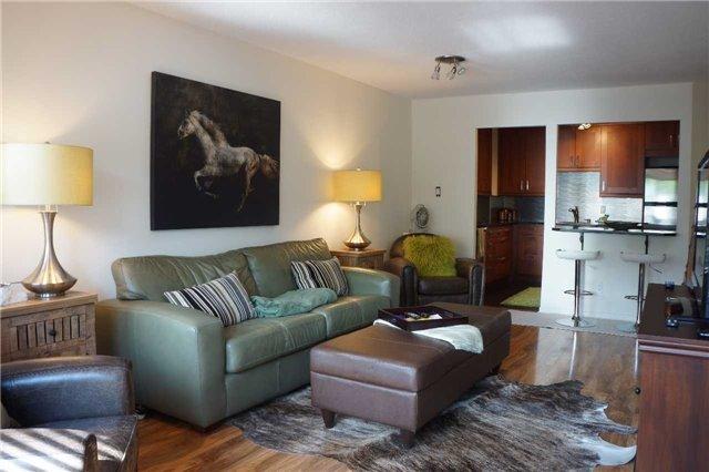 Condo Apartment at 155 Main St N, Unit 338, Newmarket, Ontario. Image 15