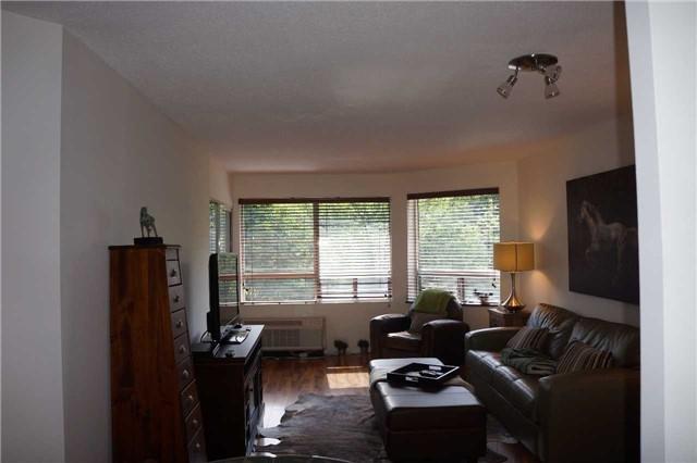 Condo Apartment at 155 Main St N, Unit 338, Newmarket, Ontario. Image 16