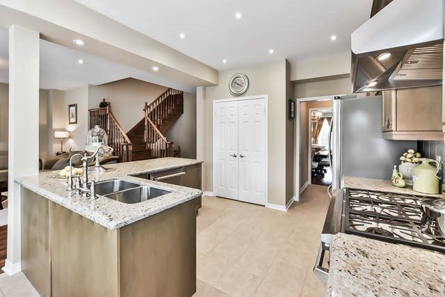 Detached at 64 Outlook Terrace Dr, Markham, Ontario. Image 17