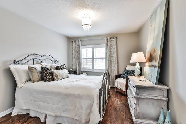 Detached at 64 Outlook Terrace Dr, Markham, Ontario. Image 6