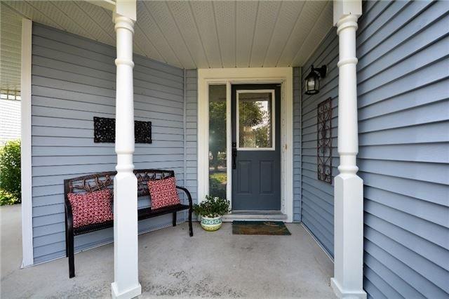 Detached at 1031 Linden St, Innisfil, Ontario. Image 12