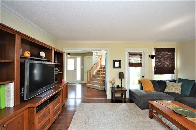 Detached at 1031 Linden St, Innisfil, Ontario. Image 19