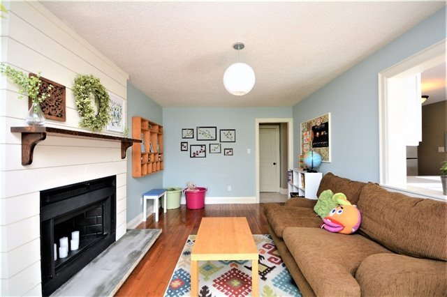 Detached at 1031 Linden St, Innisfil, Ontario. Image 5