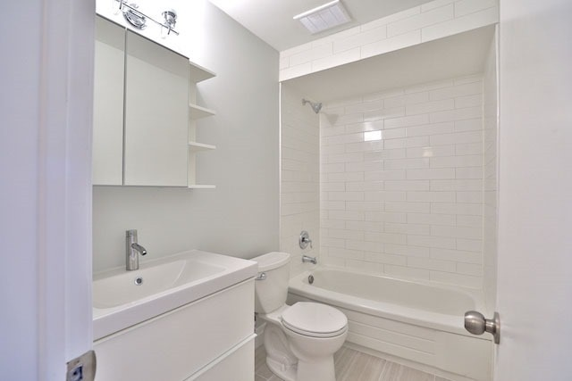 Condo Townhouse at 88 Rainbow Dr, Unit 34, Vaughan, Ontario. Image 6