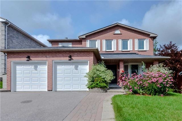 Detached at 444 Glover Lane, Newmarket, Ontario. Image 1