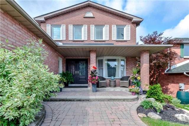Detached at 444 Glover Lane, Newmarket, Ontario. Image 12
