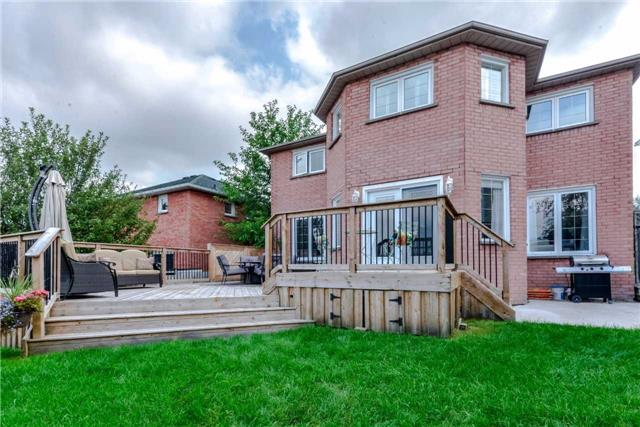 Detached at 444 Glover Lane, Newmarket, Ontario. Image 10