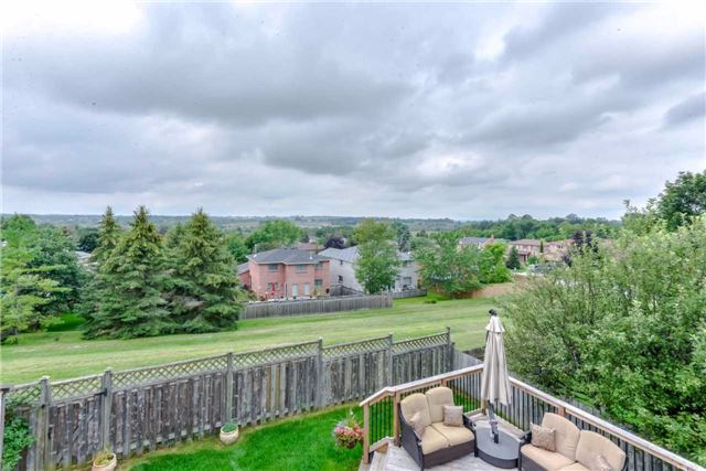 Detached at 444 Glover Lane, Newmarket, Ontario. Image 13