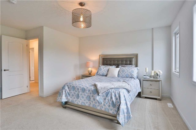 Townhouse at 1303 Benson St, Innisfil, Ontario. Image 3