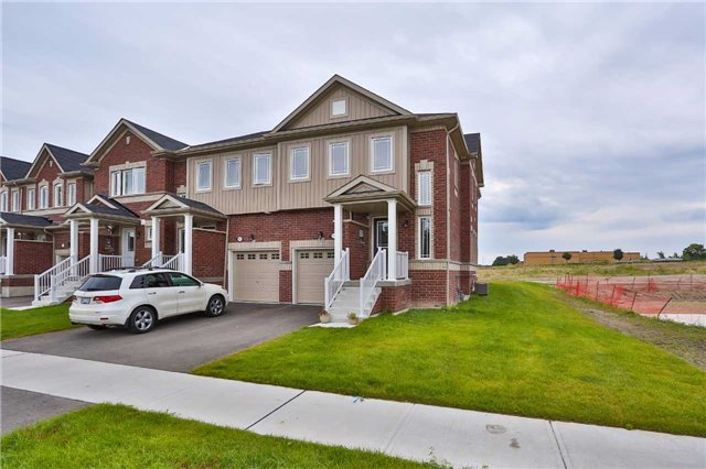 Townhouse at 1303 Benson St, Innisfil, Ontario. Image 13