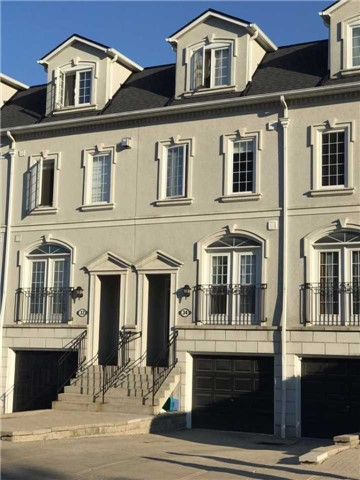 Condo Townhouse at 34 Hunt Ave, Richmond Hill, Ontario. Image 1
