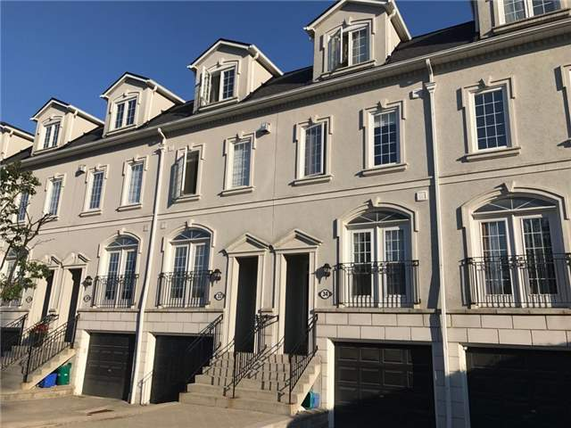 Condo Townhouse at 34 Hunt Ave, Richmond Hill, Ontario. Image 2