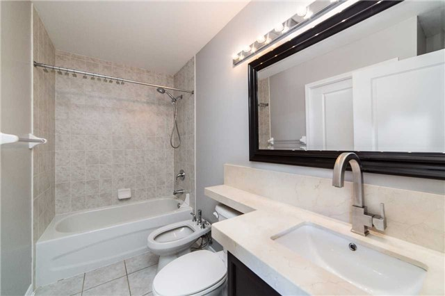 Condo With Common Elements at 8026 Kipling Ave, Unit 509, Vaughan, Ontario. Image 7