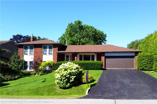 Detached at 52 Cynthia Cres, Richmond Hill, Ontario. Image 1
