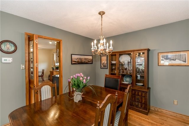 Detached at 52 Cynthia Cres, Richmond Hill, Ontario. Image 13