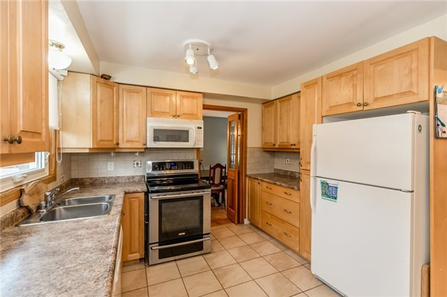Detached at 52 Cynthia Cres, Richmond Hill, Ontario. Image 14