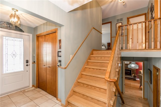 Detached at 52 Cynthia Cres, Richmond Hill, Ontario. Image 15