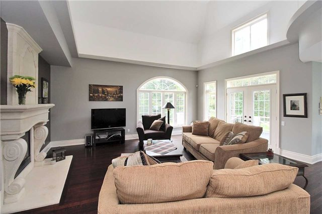 Detached at 19 Wolf Run Crt, Whitchurch-Stouffville, Ontario. Image 15