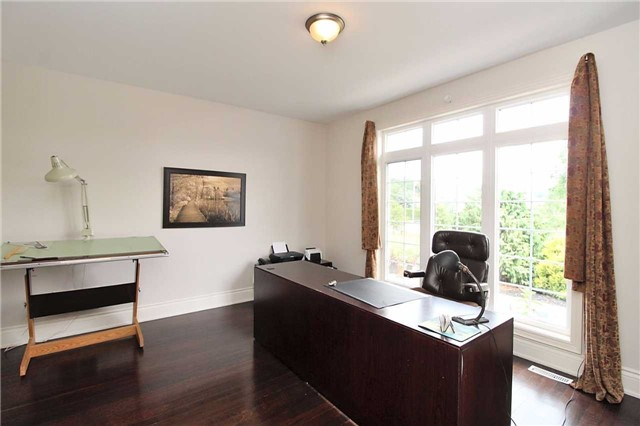 Detached at 19 Wolf Run Crt, Whitchurch-Stouffville, Ontario. Image 19