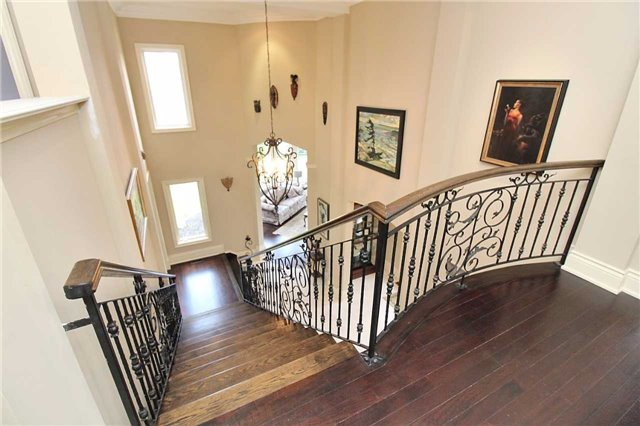 Detached at 19 Wolf Run Crt, Whitchurch-Stouffville, Ontario. Image 20