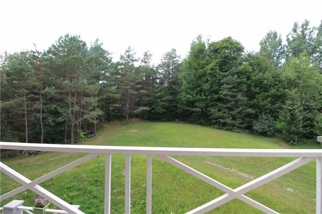 Detached at 19 Wolf Run Crt, Whitchurch-Stouffville, Ontario. Image 3