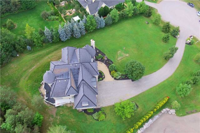 Detached at 19 Wolf Run Crt, Whitchurch-Stouffville, Ontario. Image 11