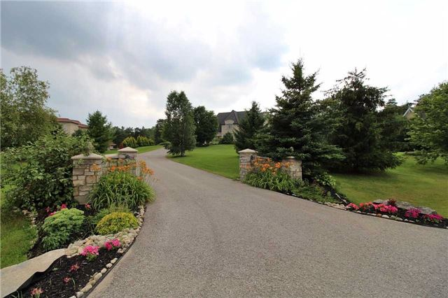 Detached at 19 Wolf Run Crt, Whitchurch-Stouffville, Ontario. Image 13