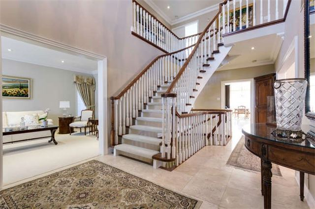 Detached at 11 Bronte Rd, Markham, Ontario. Image 12