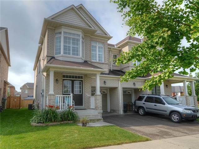 Semi-detached at 21 Firbank Lane, Whitchurch-Stouffville, Ontario. Image 1