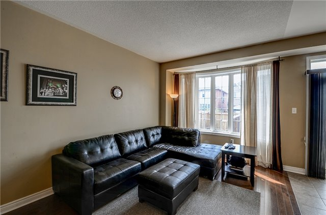 Semi-detached at 21 Firbank Lane, Whitchurch-Stouffville, Ontario. Image 8