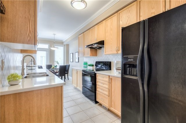 Townhouse at 8 Townwood Dr, Unit 76, Richmond Hill, Ontario. Image 18