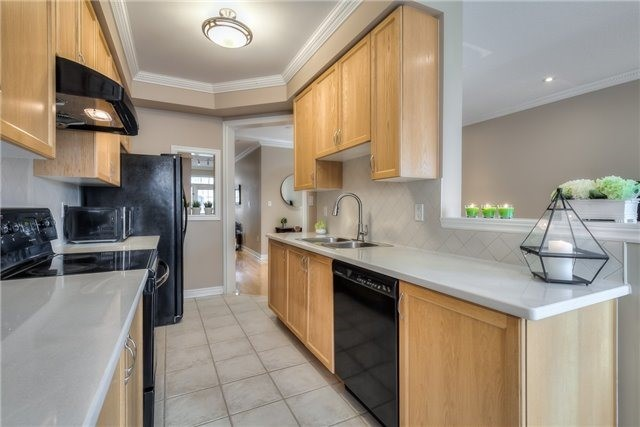 Townhouse at 8 Townwood Dr, Unit 76, Richmond Hill, Ontario. Image 19