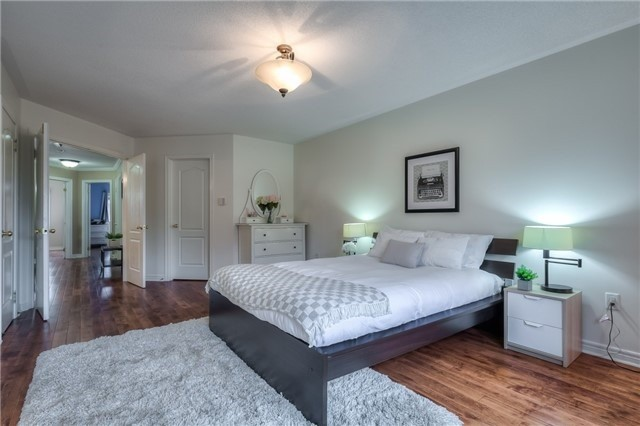 Townhouse at 8 Townwood Dr, Unit 76, Richmond Hill, Ontario. Image 3