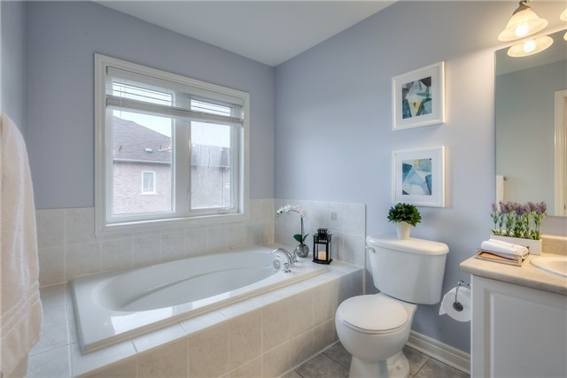 Townhouse at 8 Townwood Dr, Unit 76, Richmond Hill, Ontario. Image 5