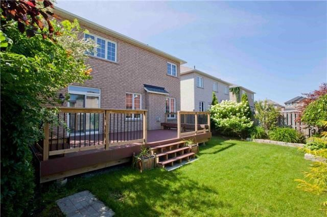Detached at 75 Red Cardinal Tr, Richmond Hill, Ontario. Image 14