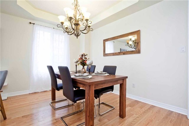 Detached at 75 Red Cardinal Tr, Richmond Hill, Ontario. Image 16