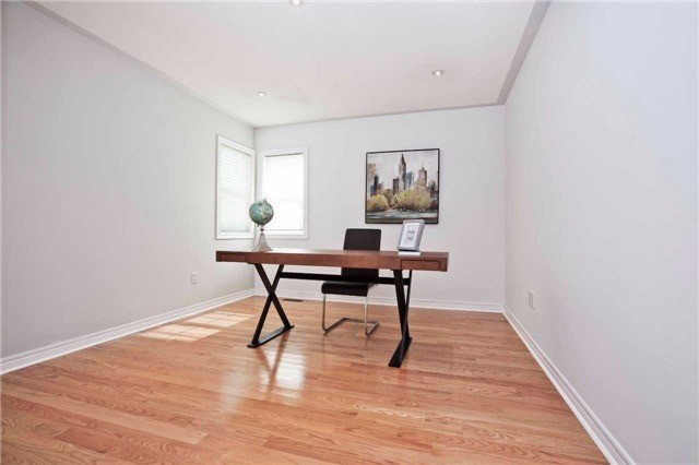 Detached at 75 Red Cardinal Tr, Richmond Hill, Ontario. Image 11