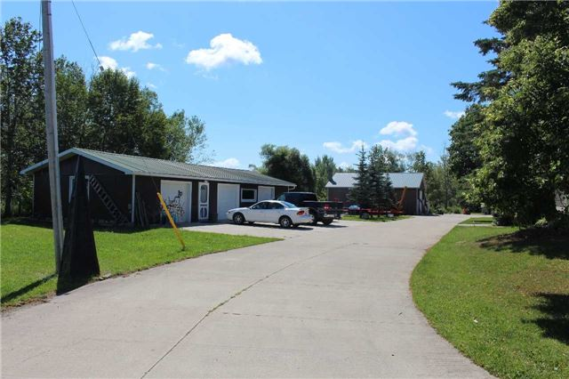 Detached at 5413 County Rd 90 Rd, Essa, Ontario. Image 2
