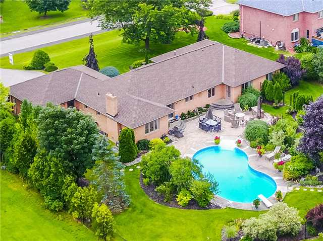 Detached at 34 Brownlee Dr, Bradford West Gwillimbury, Ontario. Image 12