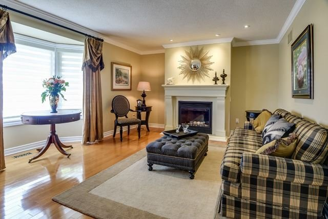 Detached at 34 Brownlee Dr, Bradford West Gwillimbury, Ontario. Image 17