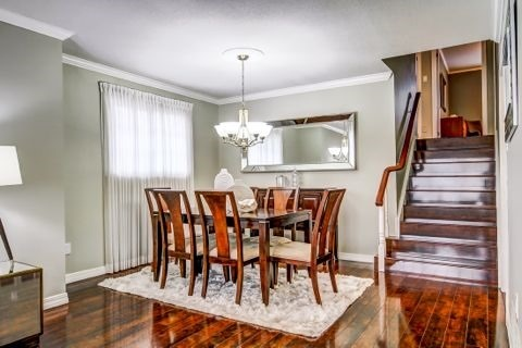 Detached at 879 Sparrow Rd, Newmarket, Ontario. Image 16