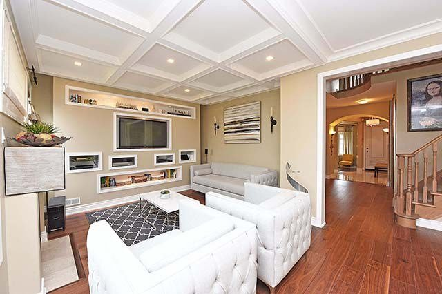 Detached at 28 Discovery Tr, Vaughan, Ontario. Image 3