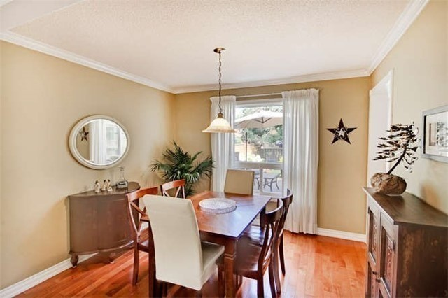 Detached at 359 Wakefield Pl, Newmarket, Ontario. Image 18