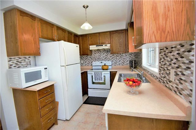 Townhouse at 135 Dolce Cres, Vaughan, Ontario. Image 20