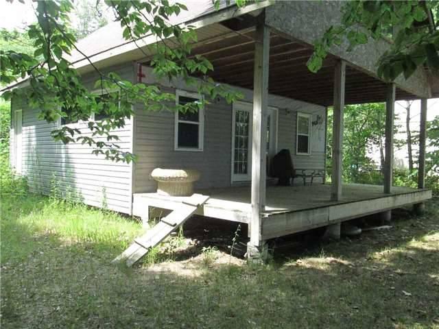 Cottage at Lot 16 Fox Island, Georgina, Ontario. Image 4