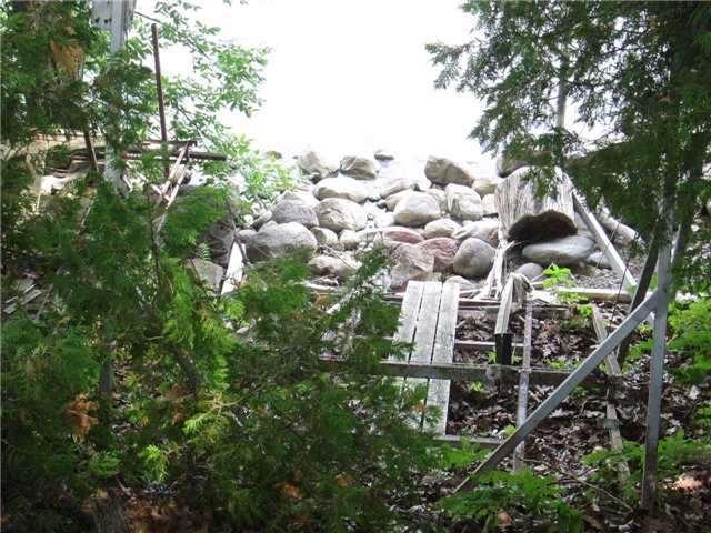 Cottage at Lot 16 Fox Island, Georgina, Ontario. Image 9